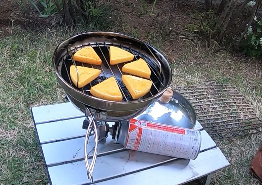『SOTO キッチン香房』 で簡単に本格燻製! スモークチーズ